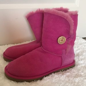 UGG Australia Bailey Button Pink Boots Size 8